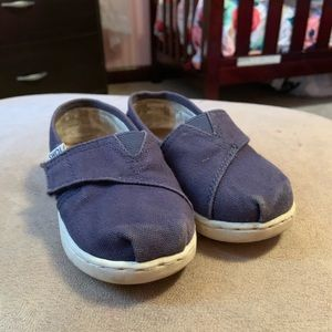Navy Toddler Toms